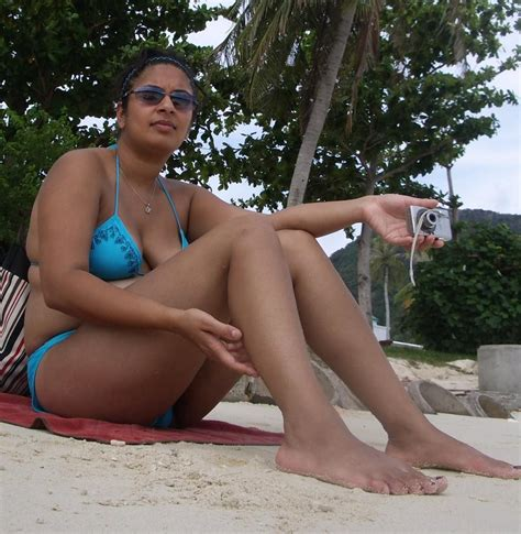 Real Aunty In Nude Bikini Nude Pic