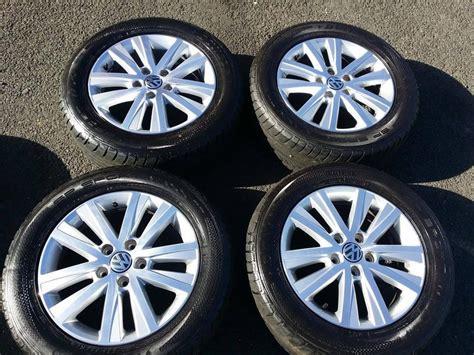 genuine vw caravelle t5 17 quot inch alloy wheels and set of dunlop 235 55 17 tyres stourbridge