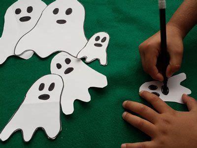 Tan fácil como hacer fantasmitas de papel o cartulina y