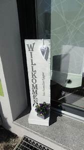 Türschild Herzlich Willkommen : t rsteher t rschild willkommen mit familienname auch eine gute idee als einzugs hochzeits ~ Sanjose-hotels-ca.com Haus und Dekorationen