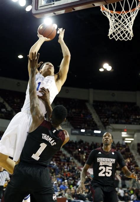 college basketball moss points devin booker scores