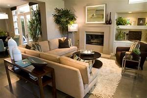 How to arrange living room furniture with fireplace and tv for Arrange sectional sofa small living room