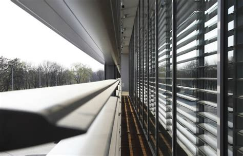 sunbreakers facade shading solution lite blinds
