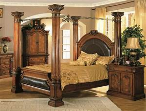 Classic bedroom furniture design from french company roche for Classic bedroom furniture design