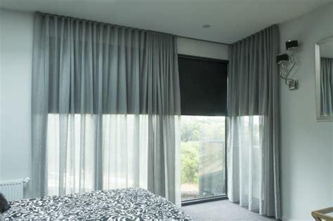 rideaux pour chambre a coucher chambre avec rideau violet design de maison