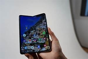 Samsung Galaxy Fold  Prova E Caratteristiche Tecniche