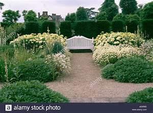 Weiße Dekosteine Garten : der wei e garten im loseley park stockfoto bild 4435844 alamy ~ Sanjose-hotels-ca.com Haus und Dekorationen
