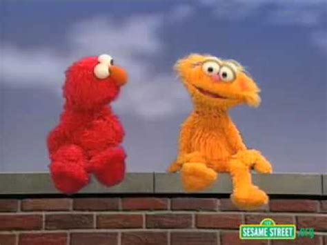 Play educational games, watch videos, and create art with elmo, cookie monster, abby cadabby, big bird, and more of your favorite muppets! Sesame Street elmo Play - YouTube