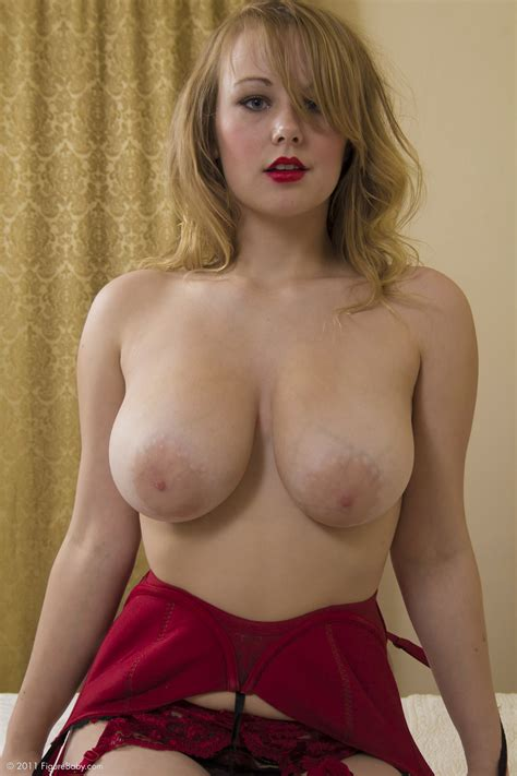 Russian girls with big tits online mobile porn video @ totallybusty.com