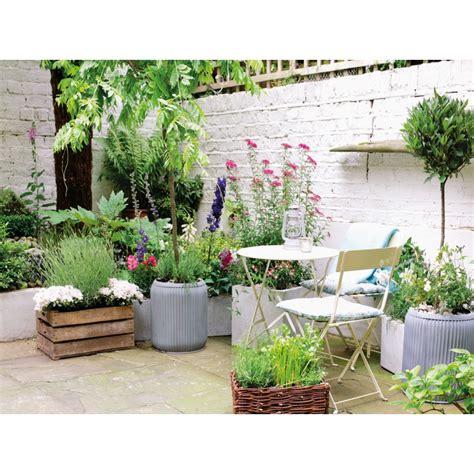 sul terrazzo un angolo verde sul terrazzo