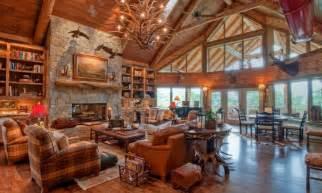 Interior Of Log Homes Amazing Decor Ideas Luxury Mountain Log Homes Luxury Log Cabin Homes Interior Interior Designs