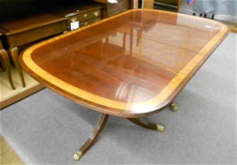 Ethan Allen Mahogany Dining Room Table by Ethan Allen Inlaid Banded Dining Room Table Just Arrived