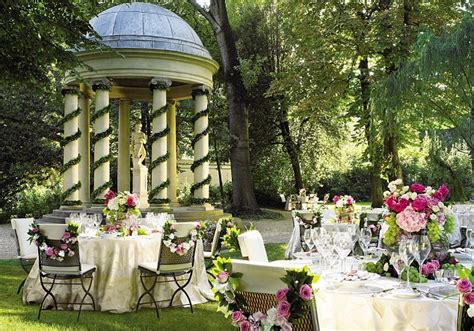 weddings    places  earth   married