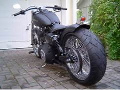 Superbe Street Bob pour Max       Harley Davidson Dyna Street Bob Drag Bars