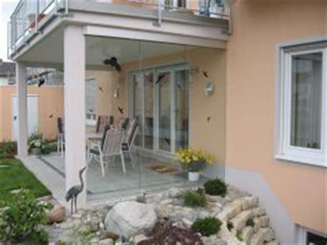 glasschiebewand für terrasse als windschutz glasschiebewand f 252 r terrasse als windschutz moderne konstruktion