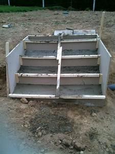 Forum Faire Construire : faire sois meme un escalier beton droit sans mur lateraux 12 messages ~ Melissatoandfro.com Idées de Décoration