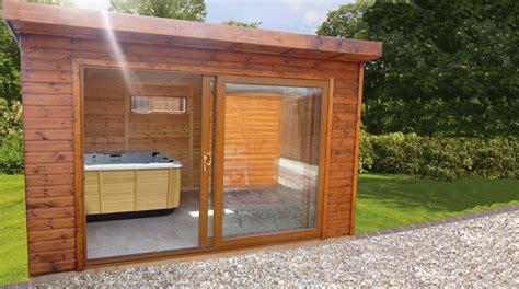 saune da giardino minipiscina idromassaggio in capanno degli attrezzi