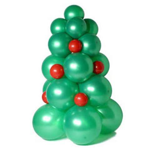 decoraci 243 n con globos un 225 rbol de navidad revista