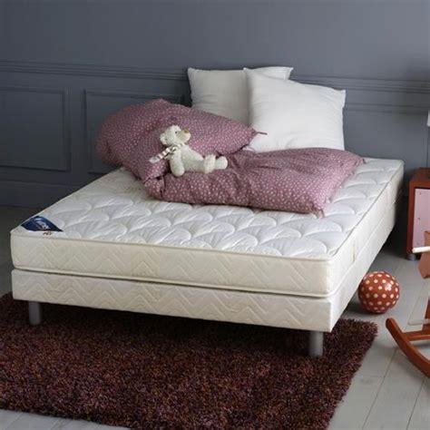 tapis chambre a coucher chambre a coucher tapis raliss com