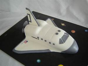 Space shuttle, Spaces and Cakes on Pinterest