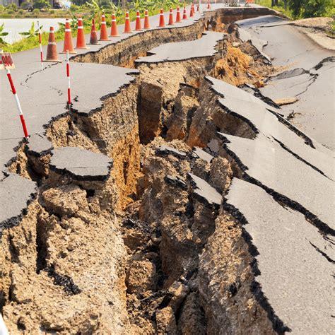 Earthquake Faults in America