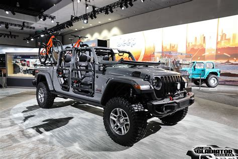 2020 Jeep Gladiator Aftermarket Parts by Mopar Accessorized 2020 Jeep Gladiator In Sting Gray