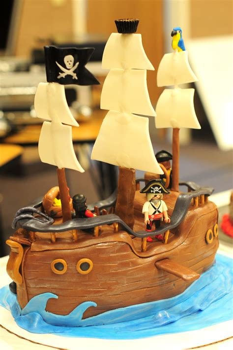 leafy tree tops pirate ship cake