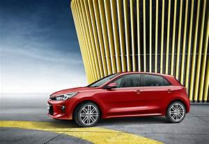 Rio Autos : 2017 kia rio breaks cover ahead of paris auto show debut carscoops ~ Gottalentnigeria.com Avis de Voitures