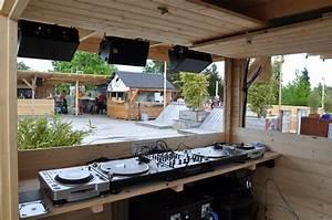 Auf Dem Dach : pingpong im hinterhof drinks auf dem dach schlaglicht ~ Frokenaadalensverden.com Haus und Dekorationen