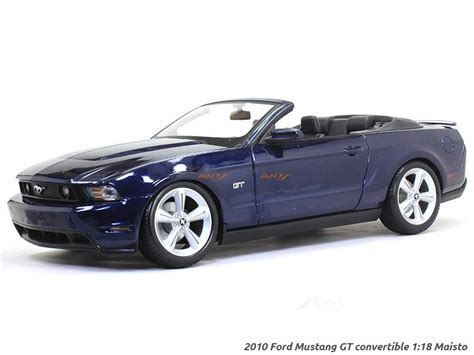 ford mustang gt convertible  maisto diecast scale