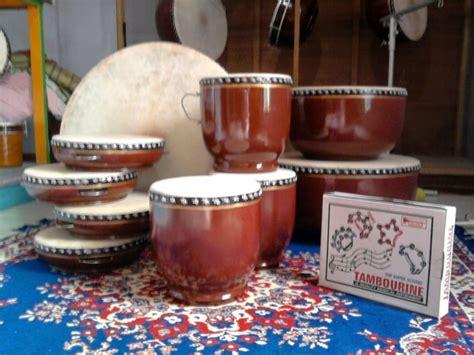 Salah satu bukti kekayaan nyata indonesia adalah banyaknya alat musik tradisional yang. 50+ Nama Alat Musik Tradisional Indonesia, Gambar, Cara ...