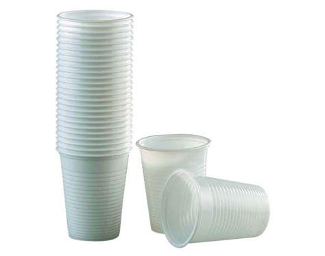 bicchieri in plastica bicchieri di plastica bianchi