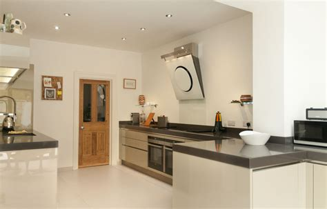kitchen worktop designs cubanite metallic grey handleless kitchen with 80mm quartz 3521