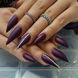 35+ Dark Purple Nail Art Design Ideas
