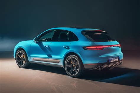Porsche Macan Picture by New 2018 Porsche Macan Facelift Pictures Auto Express