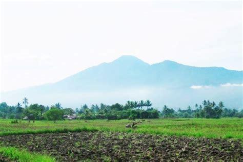 gunung  populer  sulawesi tengah faktaleaks