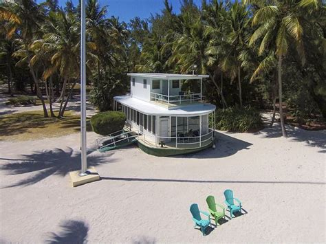 House Boat Rental Florida Keys by House Of The Week Beached Florida Keys Houseboat