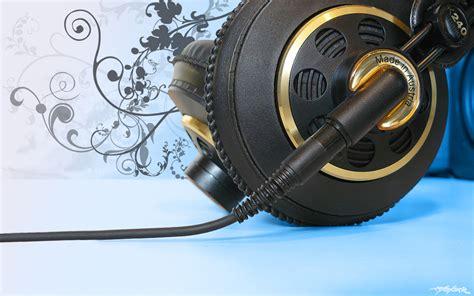 DJ Desktop Headphones Pic