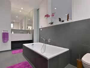 bodenbelag für badezimmer badezimmer mit schiefer grey slate als bodenbelag wandverkleidung und badewannenverkleidung
