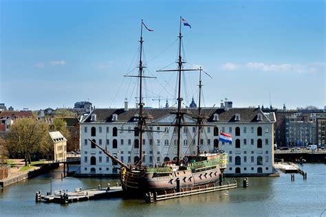 Het Scheepvaartmuseum In Amsterdam voc schip de amsterdam