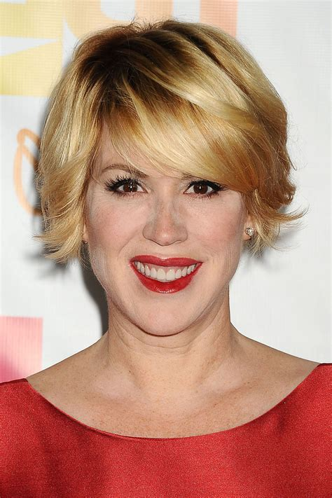 20 Photo of Bouncy Bob Hairstyles For Women 50+