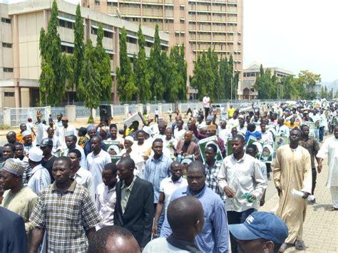 Последние твиты от free sheikh zakzaky (@free_zakzaky). An Epic Free Zakzaky Procession Rocks Abuja City Center Yet Again - Reflection-Online