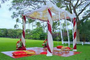 Image of: Indian Wedding Decorations Simple Pretty Outdoors Indian Wedding Soma Senguptum Guide To Decorate A Wedding With Indian Wedding Decorations