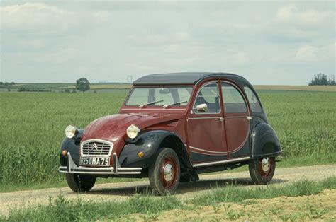 Citroen De by Citro 235 N 2cv The Post War S Car Cult Classics