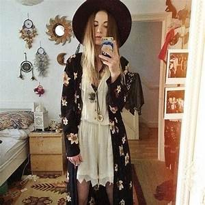 looks like Zoe from American Horror Story (Coven). | Style ...