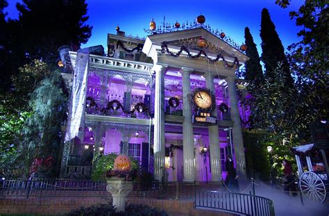 Disney Announces 'haunted Mansion' Special, Toon Pilots