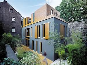 Moderne Häuser Mit Grundriss : einfamilienhaus im hinterhof moderne einfamilienh user ~ Bigdaddyawards.com Haus und Dekorationen