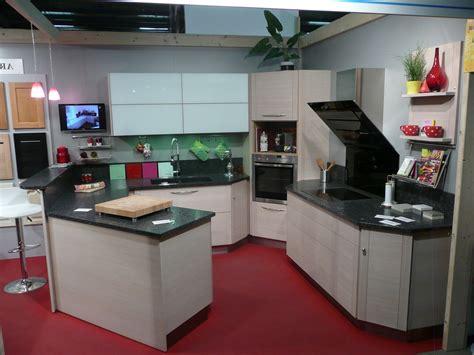 cuisine angle pas cher cuisine avec frigo noir