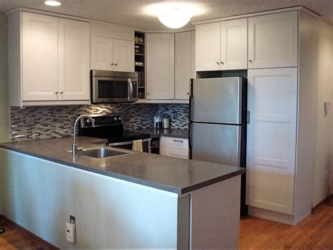 Kitchen Designs For Small Kitchens  Small Kitchen Design. Rooms For Rent In Lincoln Ne. Green Kitchen Decor. Designer Dining Rooms. Shelves For Living Room. Centerpieces For Dining Room Tables Everyday. Decorative Floor Easel Stands. Arizona Rooms. Cheap Rooms For Rent In Orlando