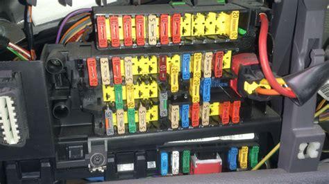 fusible klaxon 307 schema fusible 307 hdi schema fusible peugeot 307 comment reparer klaxon